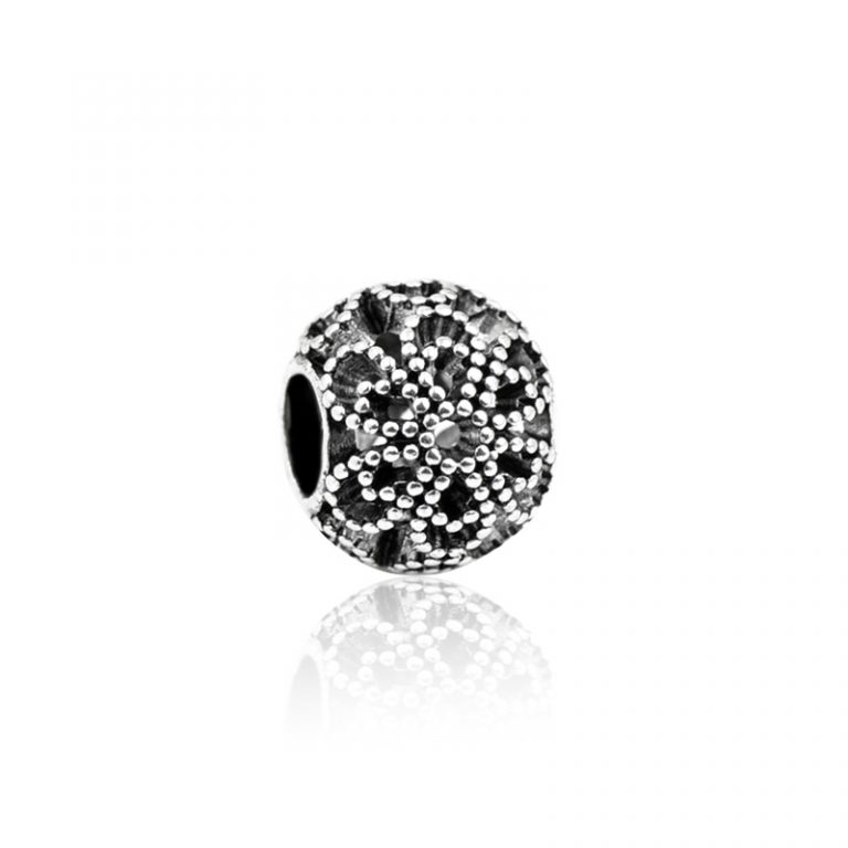 Charm Dotted flower