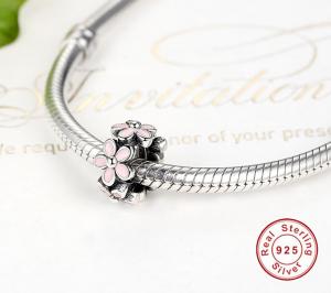 Charm Pink Daisy Flower din Argint