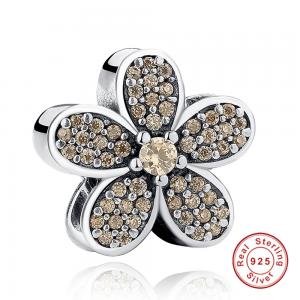 Charm Hazel Flower din Argint